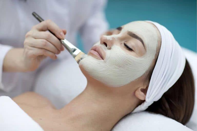 9 порад про те, як вибрати хорошого косметолога